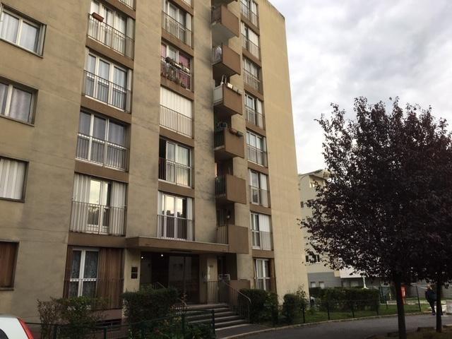 Sale apartment Villeneuve la garenne 155000€ - Picture 1