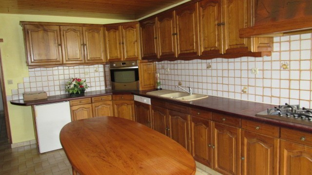 Sale house / villa Beurlay 190 800€ - Picture 3