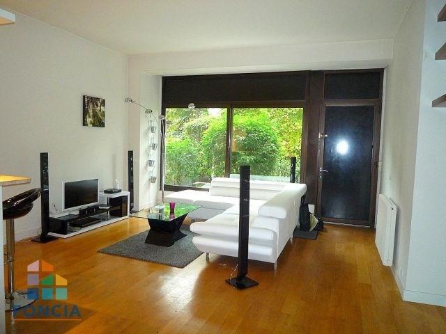 Rental apartment Suresnes 1125€ CC - Picture 1