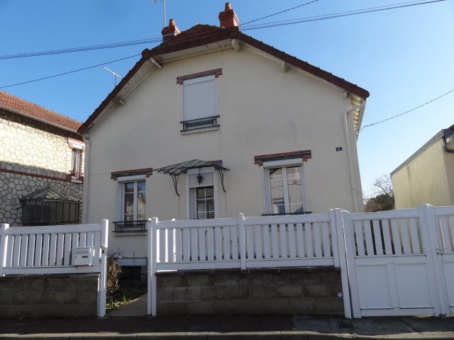 Sale house / villa Chalette sur loing 117700€ - Picture 1