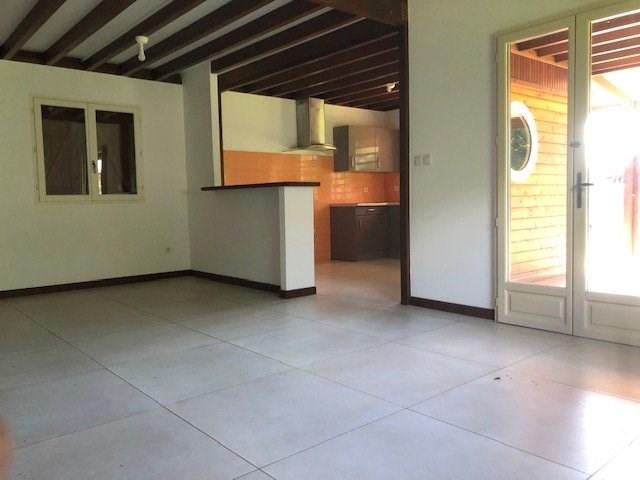 Location maison / villa St benoit 914€ CC - Photo 5