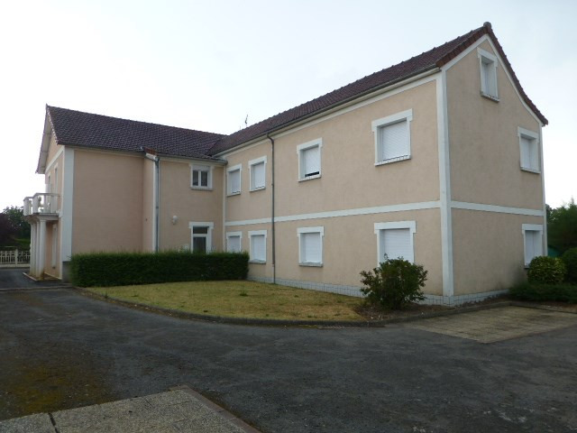 Location appartement Freneuse 750€ CC - Photo 1