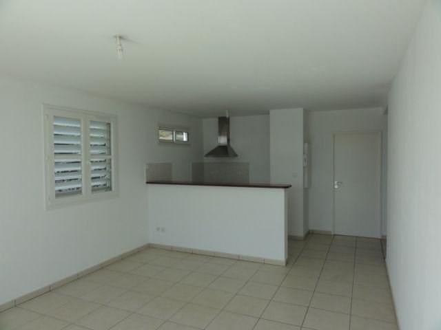 Location appartement Ste clotilde 715€ CC - Photo 2