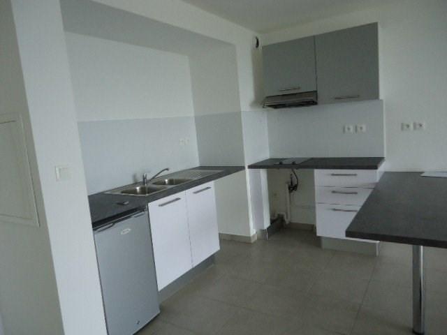 Location appartement St denis 620€ CC - Photo 3