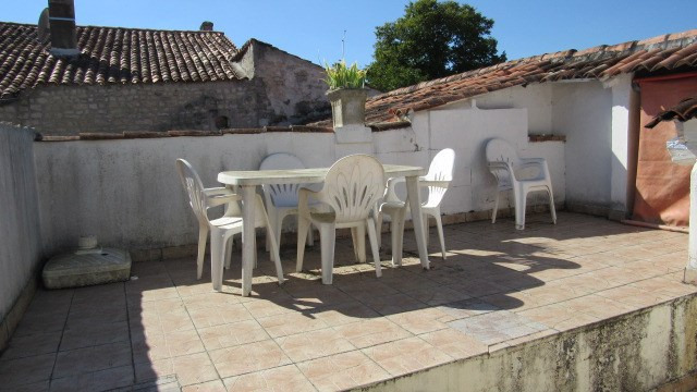Vente maison / villa Saint jean d'angely 27 750€ - Photo 2