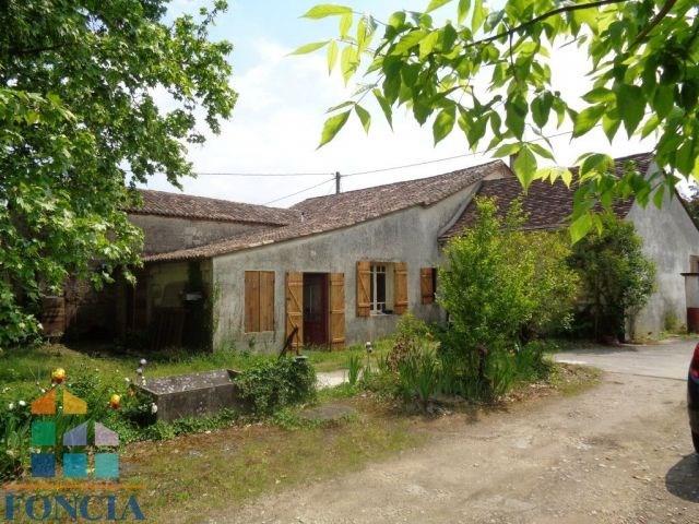Ancienne maison en pierres a rénover de 242 m²