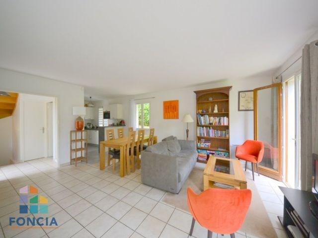 Deluxe sale house / villa Rueil-malmaison 875000€ - Picture 1