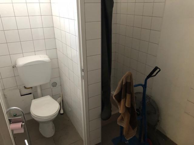 Rental empty room/storage Six fours les plages 1800€ HT/HC - Picture 5