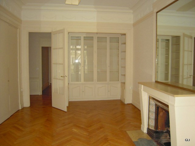 Location appartement Lyon 3ème 2 276€ CC - Photo 3