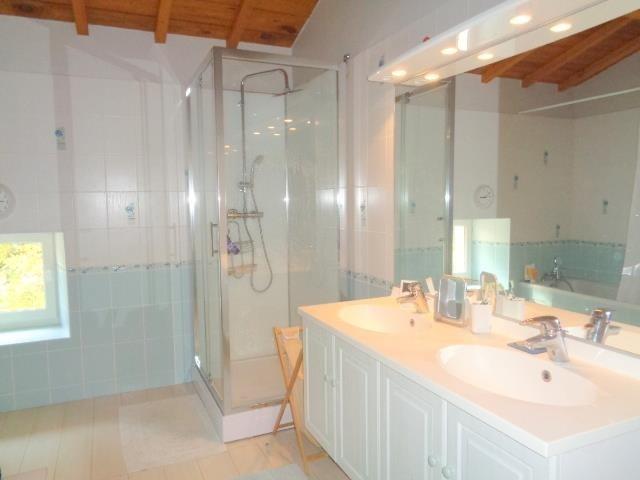 Sale house / villa St andre de cubzac 399000€ - Picture 11