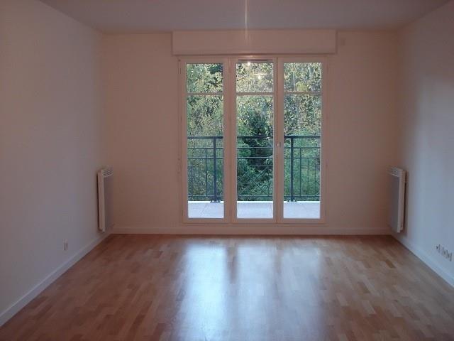 Affitto appartamento Buc 1141€ CC - Fotografia 1
