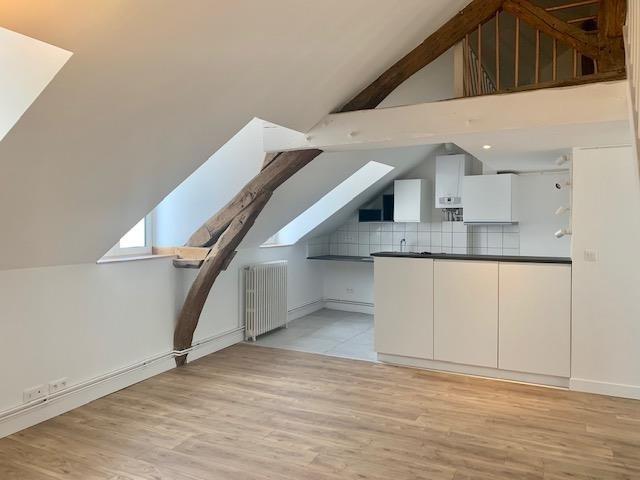 Rental apartment Fontainebleau 1095€ CC - Picture 2