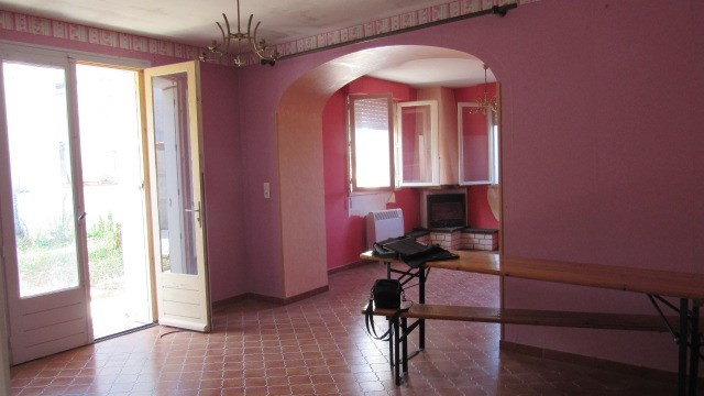 Sale house / villa Saint-jean-d'angély 96 000€ - Picture 4