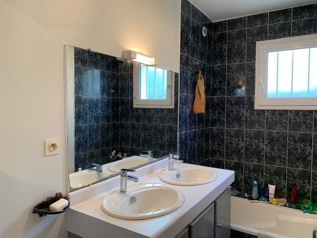 Sale house / villa St nazaire 299000€ - Picture 7