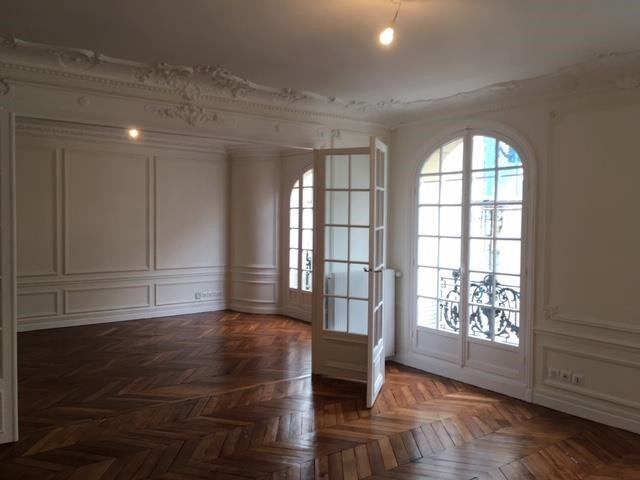 Rental apartment Paris 9ème 3686€ CC - Picture 5