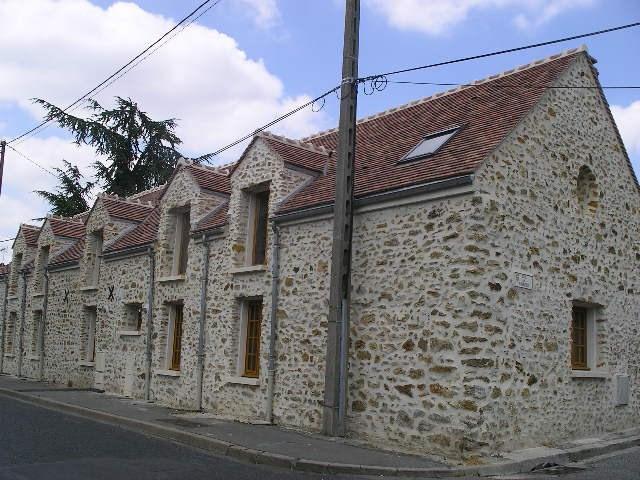 Location maison / villa Crosne 940€ CC - Photo 2