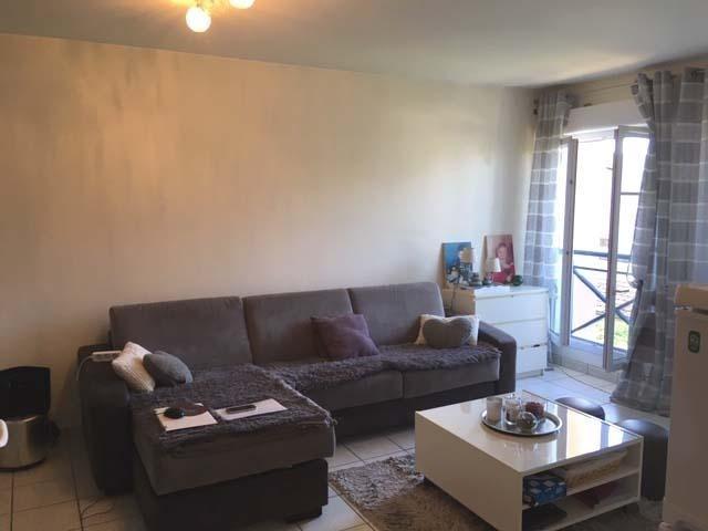 Rental apartment Villette d'anthon 820€ CC - Picture 3