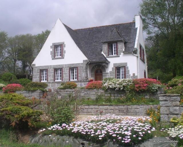 Sale house / villa Plouneour menez 187250€ - Picture 1