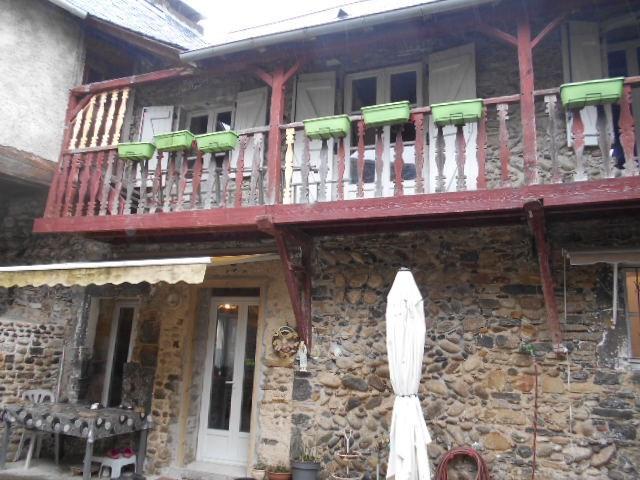 Sale house / villa Oloron sainte marie 148000€ - Picture 3