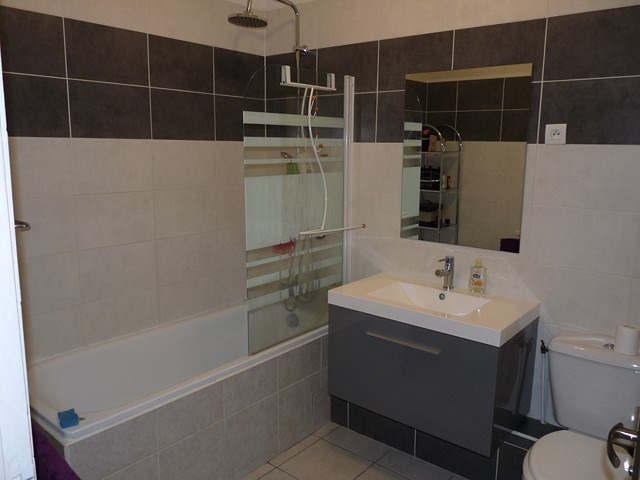 Venta  apartamento Saint-genest-lerpt 135000€ - Fotografía 3