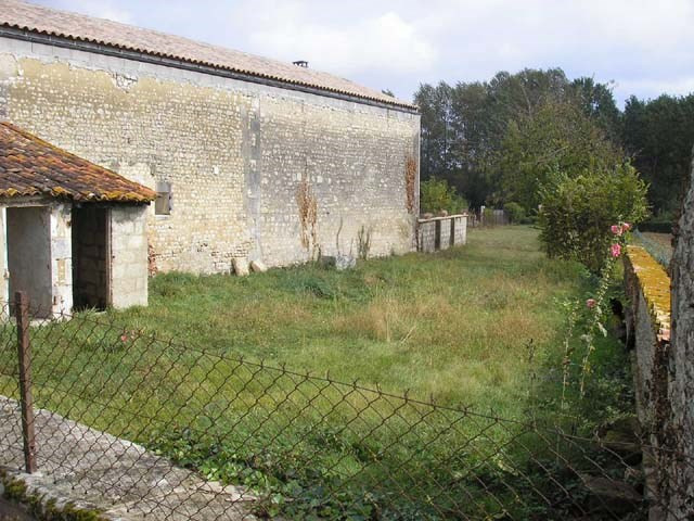 Vente maison / villa Saint jean d'angely 43 500€ - Photo 2