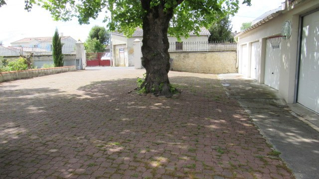 Sale house / villa Saint jean d'angely 227 900€ - Picture 6