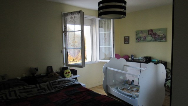 Sale house / villa Saint-jean-d'angély 122 250€ - Picture 5