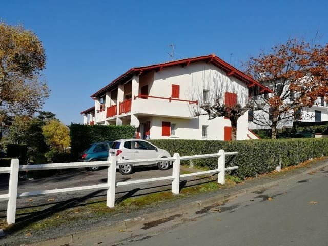 Sale apartment St jean de luz 174 000€ - Picture 2