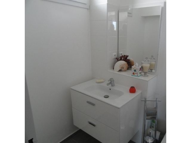 Location appartement La saline les bains 884€ CC - Photo 9