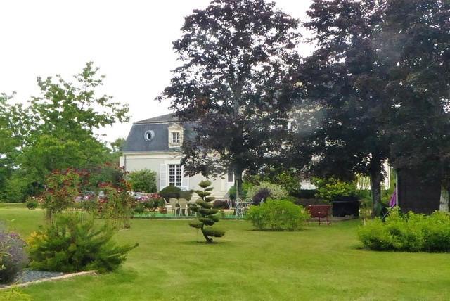 Deluxe sale house / villa Durtal 890000€ - Picture 2