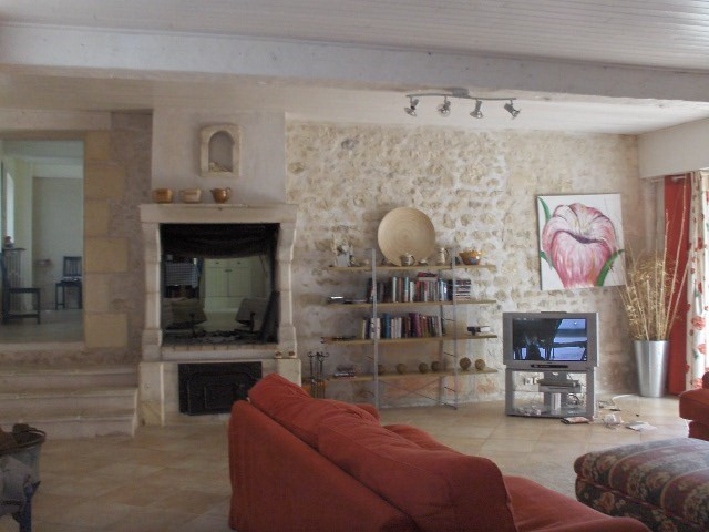 Sale house / villa Saint jean d'angely 353 425€ - Picture 5