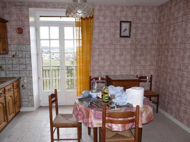 Revenda apartamento Saint-genest-lerpt 157000€ - Fotografia 4