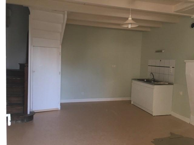 Rental apartment Barbezieux-saint-hilaire 340€ CC - Picture 2