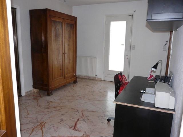 Rental house / villa Saint-genest-lerpt 1076€ CC - Picture 6