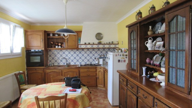 Vente maison / villa St jean d'angely 190 800€ - Photo 3
