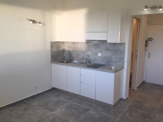 Rental apartment Vallauris 550€ CC - Picture 2