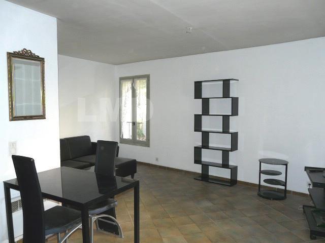 Location appartement Draguignan 480€ CC - Photo 1