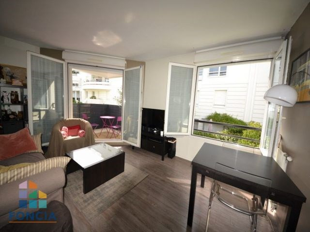 Sale apartment Suresnes 335 000€ - Picture 1