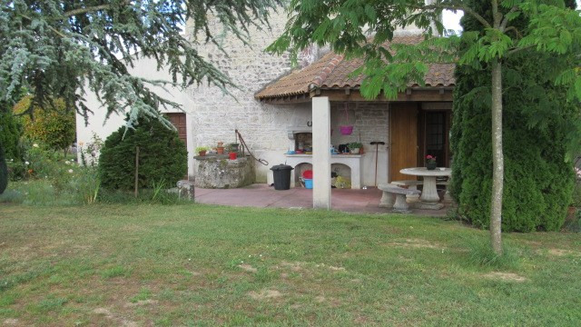 Sale house / villa Bords 233 200€ - Picture 2