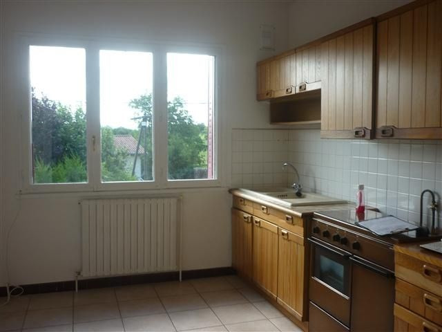 Location appartement Bully 825€ CC - Photo 4