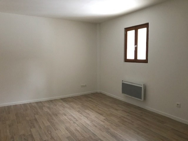 Location appartement Chapet 550€ CC - Photo 1