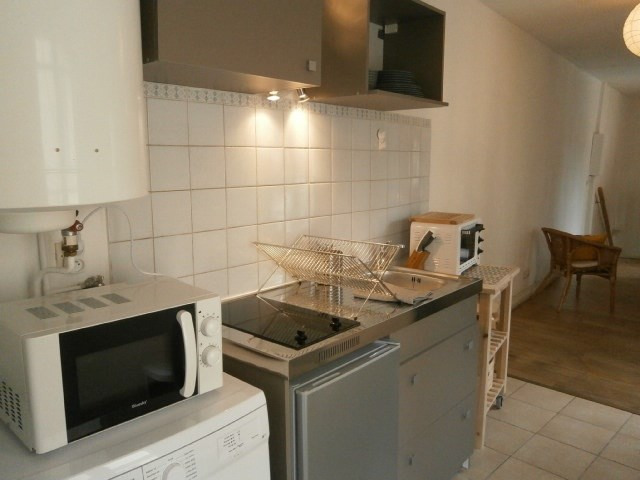 Location appartement Fontainebleau 846€ CC - Photo 3