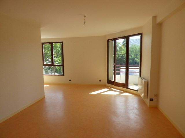 Rental apartment Chambery 720€ CC - Picture 1