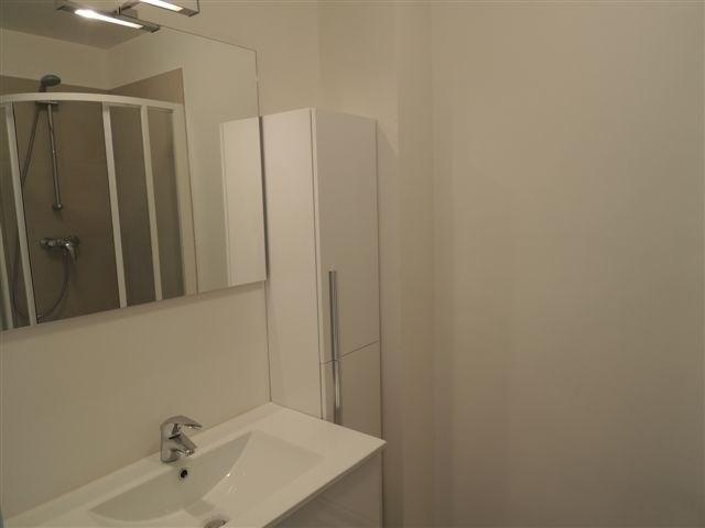 Location appartement Courbevoie 695€ CC - Photo 2
