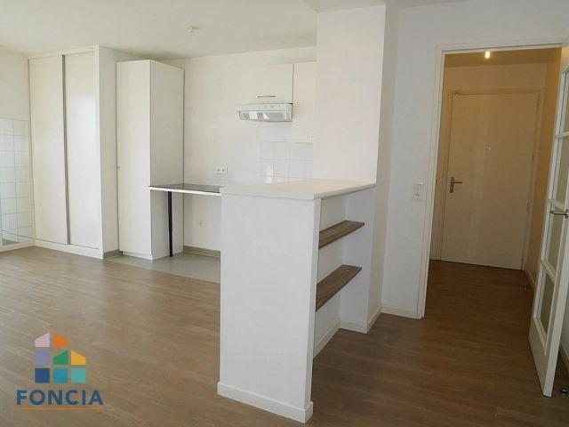 Location appartement Suresnes 855€ CC - Photo 3