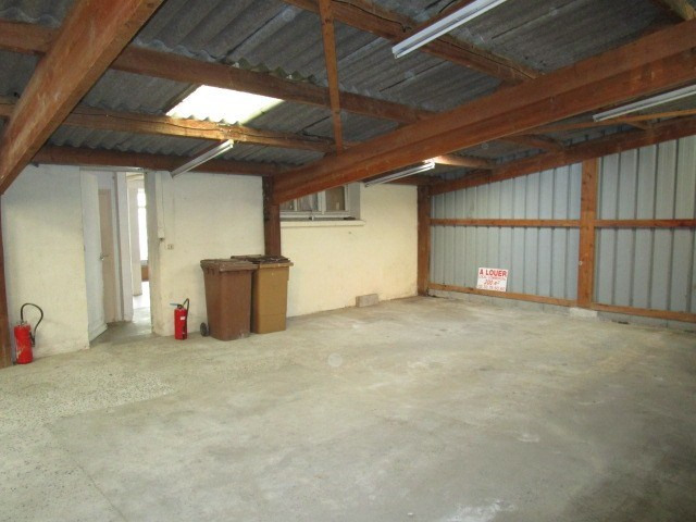 Location local commercial St lo 600€ HC - Photo 3