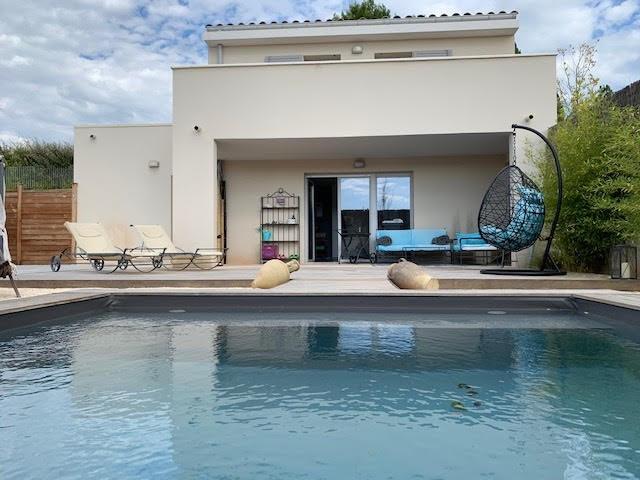 Duplex piscine domaine securise