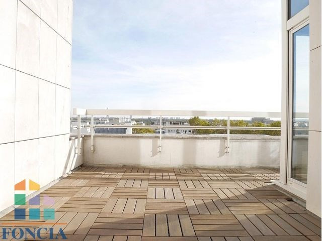 Rental apartment Suresnes 2 333€ CC - Picture 1