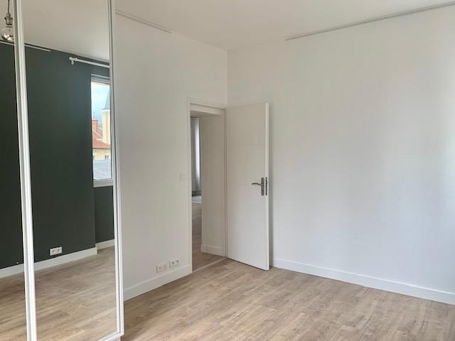 Location appartement Fontainebleau 980€ CC - Photo 2