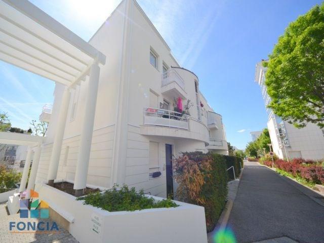 Sale apartment Suresnes 360000€ - Picture 1